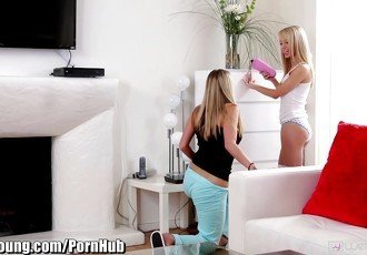 WebYoung Teen Lesbians find Mommys