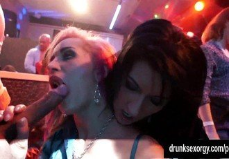 Sinfully lesbians gets wild in a