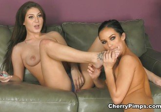 JoJo Kiss & Megan Rain in Hot Babes